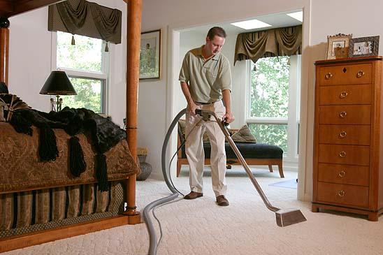 Carpet Cleaner Cleans Bedroom Carpet